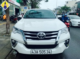 Xe Toyota Fortuner AT 2021